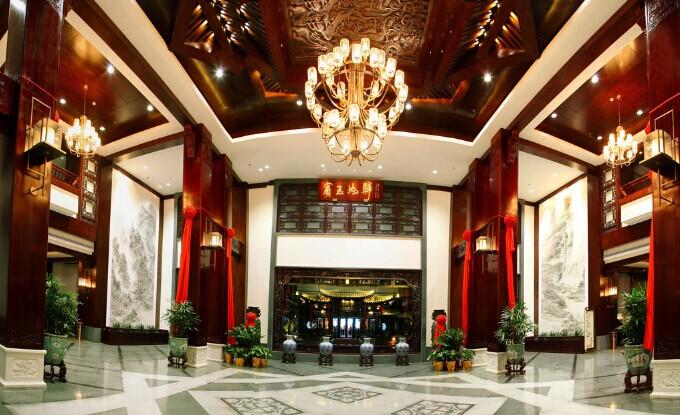 独享你的大气淡雅—中式餐厅装修