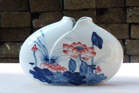 中式风格陶瓷花瓶